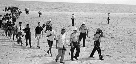 black-and-white-demonstrators-Biloxi-beach-631